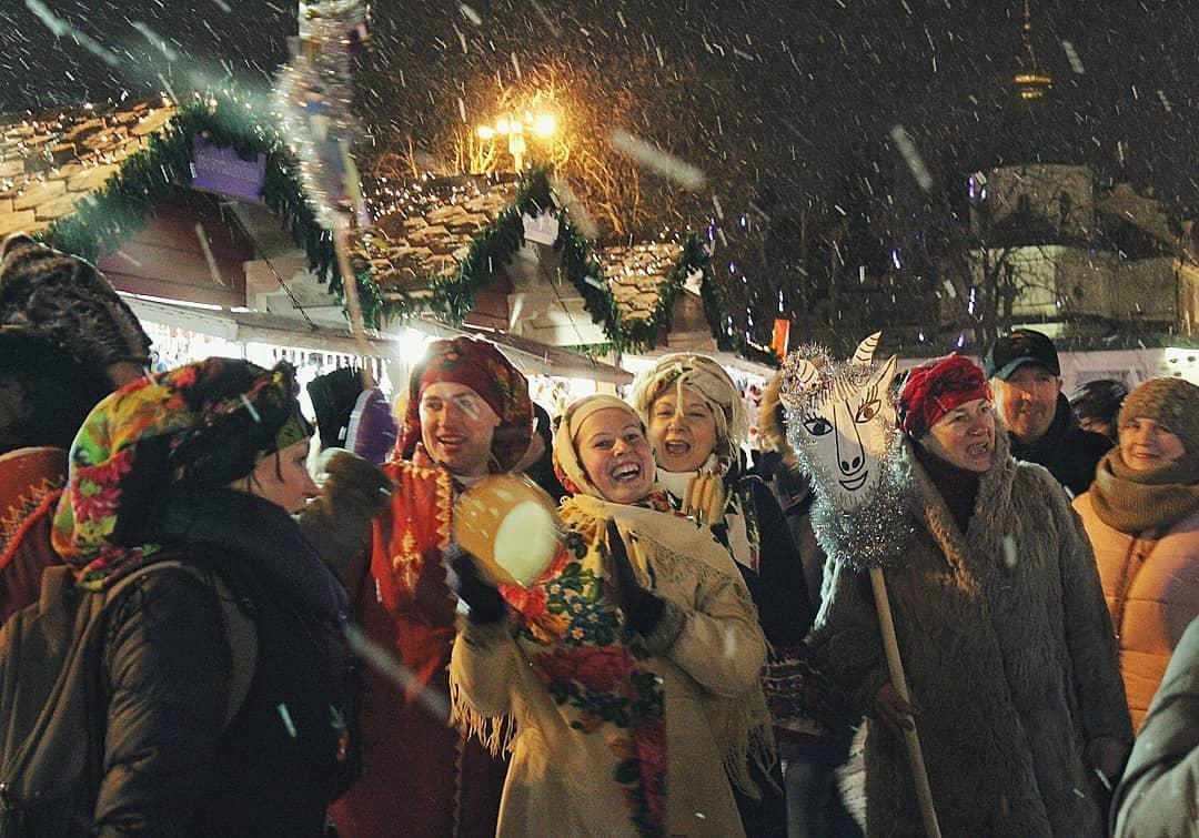 Новогодние истории Деда Мороза в Херсоне и его друзей